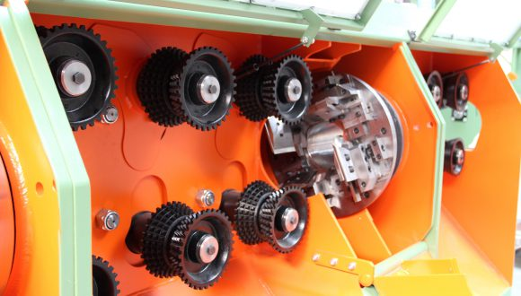 stroj na spacovanie dreva